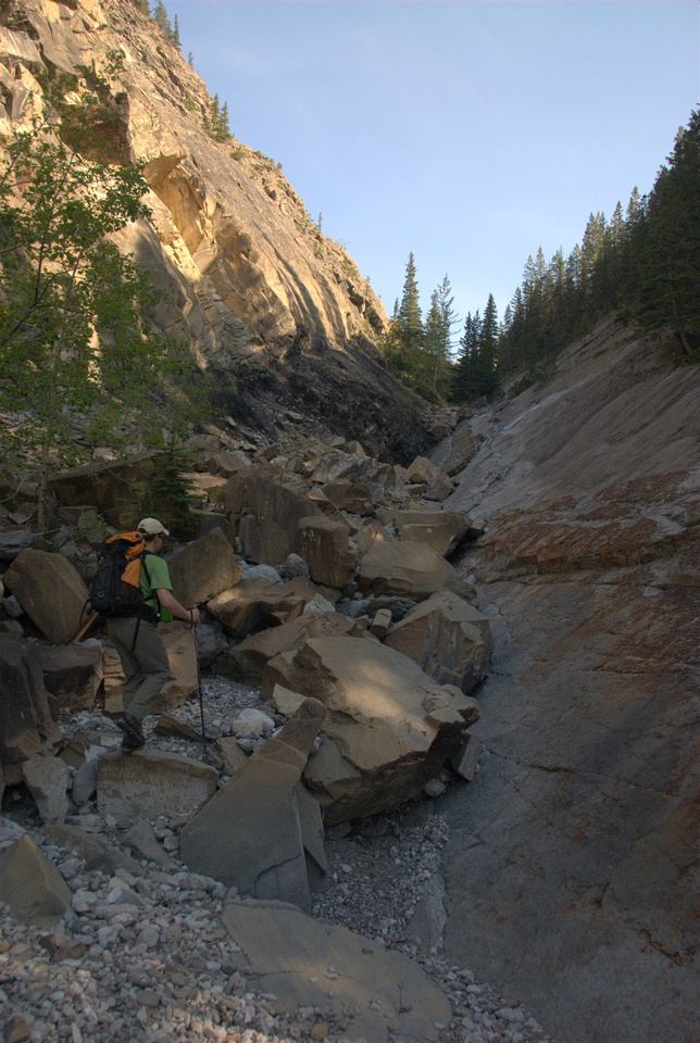 Wietse works his way up the fault section on Jura Creek.