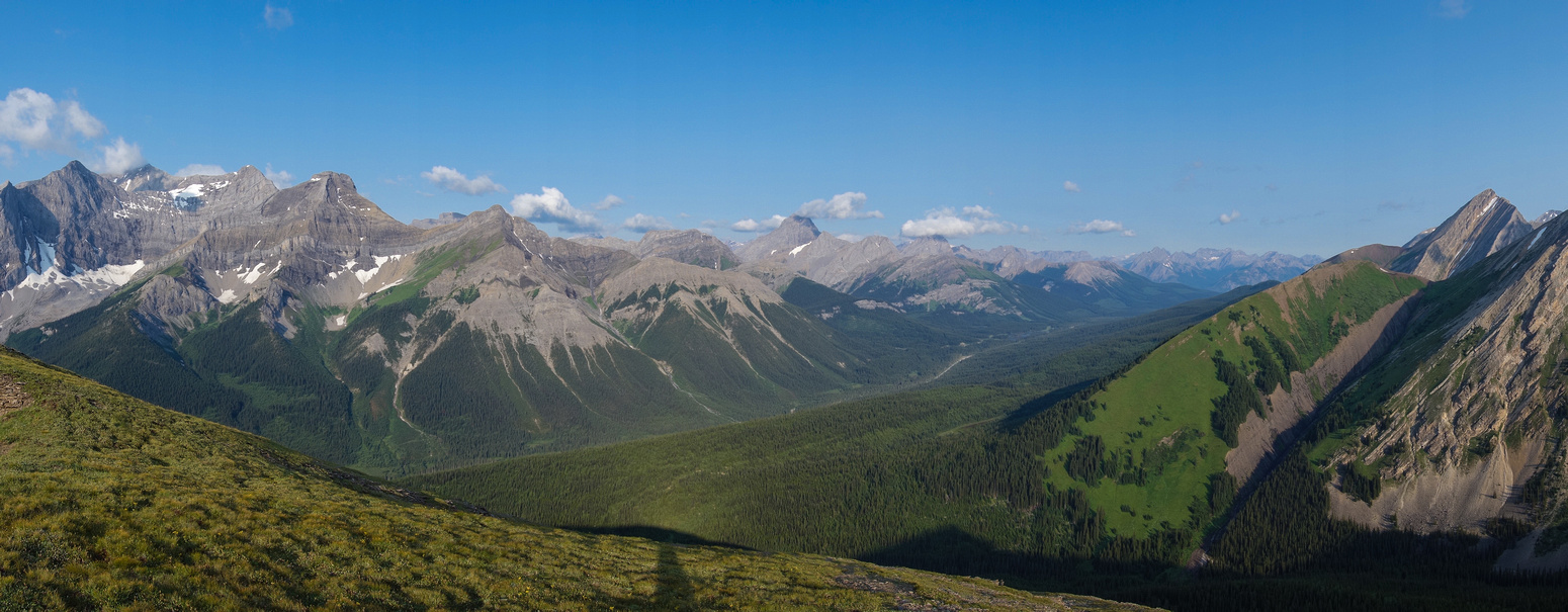 Panorama from the ridge includes, French, Murray, CEGFNS, Burstall, Birdwood, Commonwealth, Commonwealth Ridge and Mount Chester (L to R).