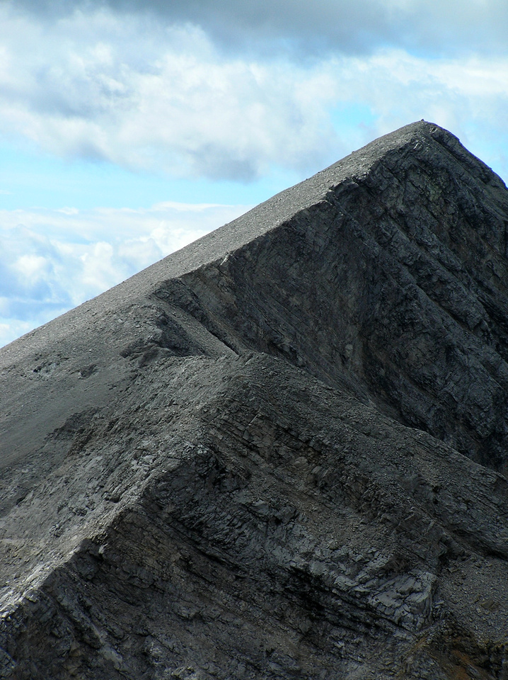 Telephoto of Allison Peak from Ward. The second ridge is easy compared to the first one from Ward to first intermediate summit.