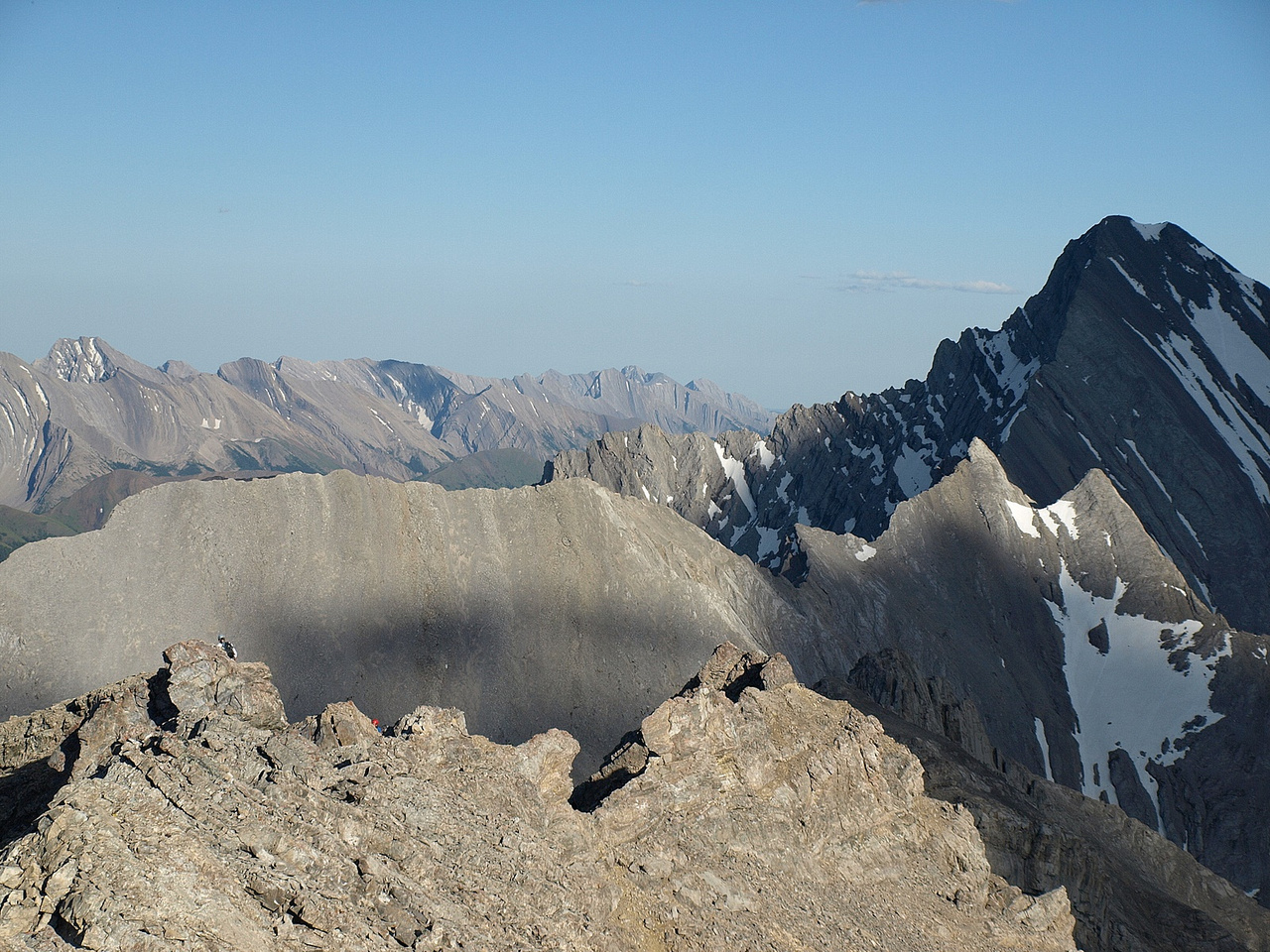 Wietse and Kev coming up to the summit - Storm on the right.