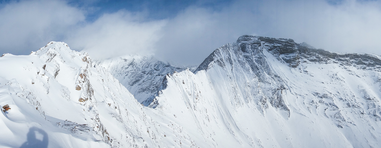 Pano from the traverse to the summit (on left). Arethusa at the center.