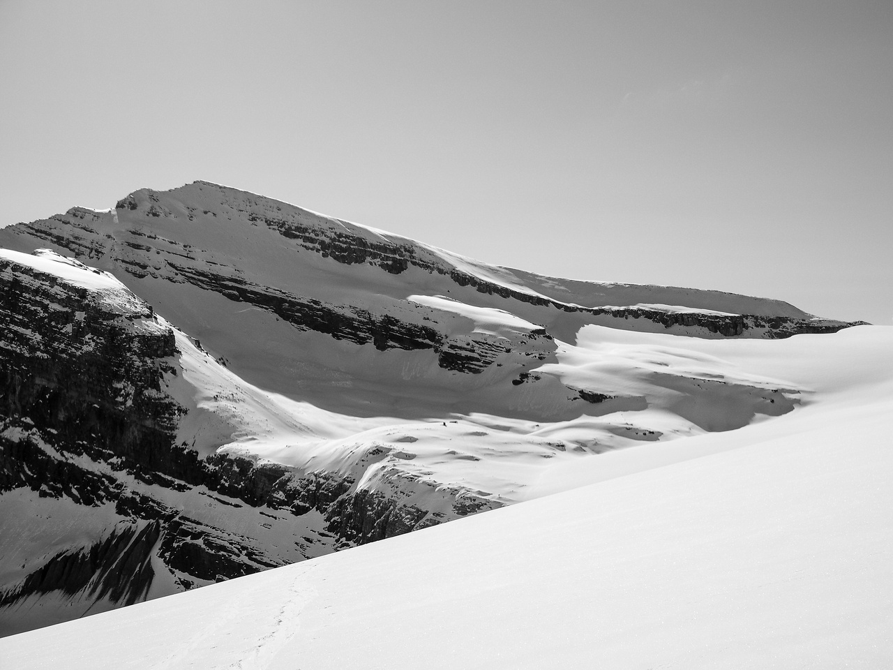 Looking back over Peyto Hut with Thompson rising above.
