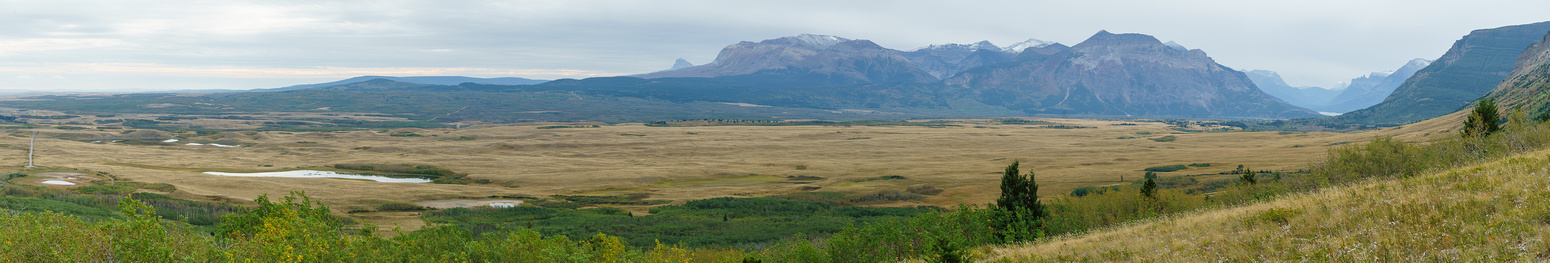 More nice views of Waterton flats and the front range Waterton peaks including Sofa and Vimy on the left.