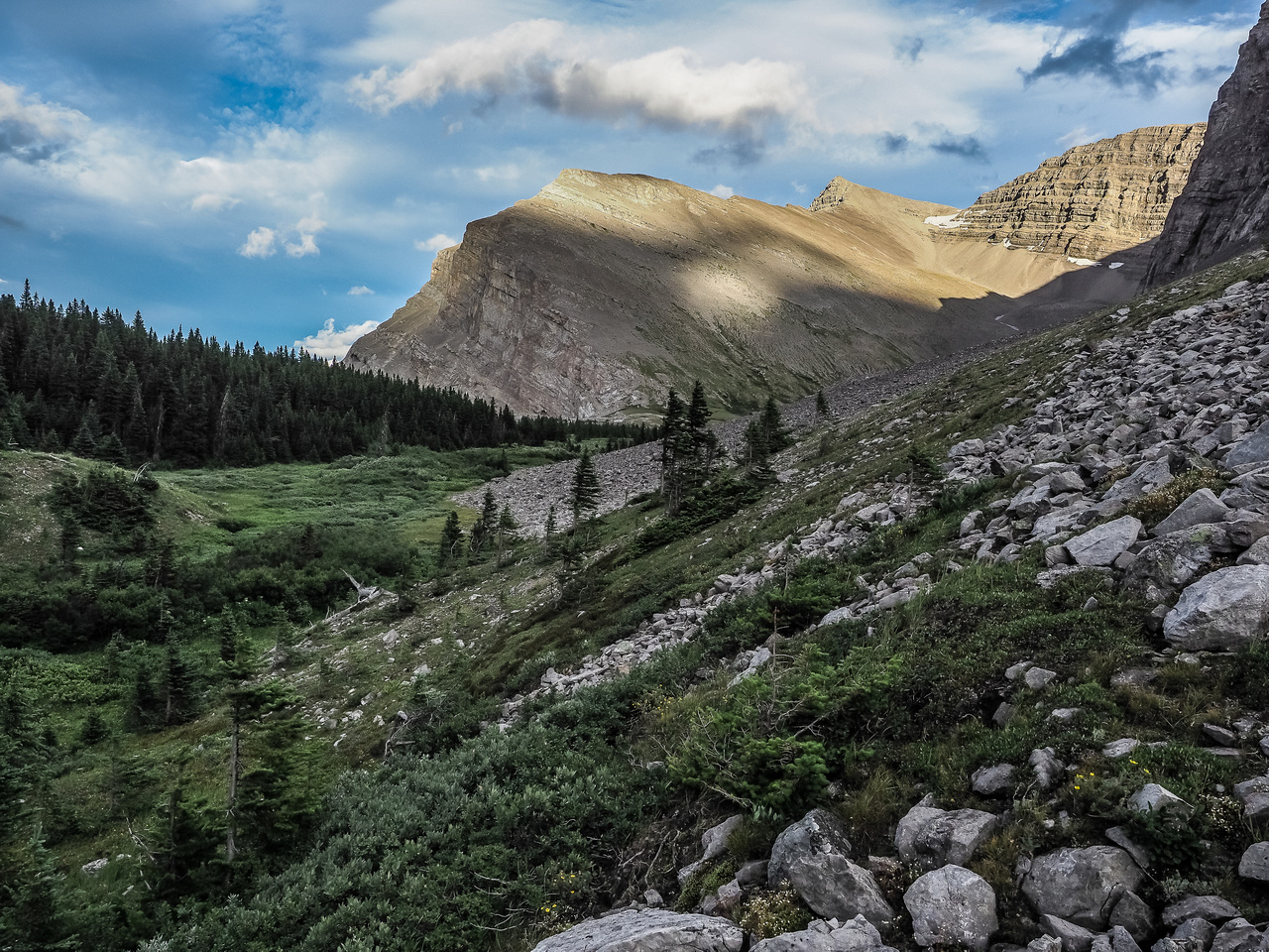 Approximately 9 hours after starting up the lower slopes of Mount MacLaren we're back from a long loop covering two peaks and lots of interesting landscapes.