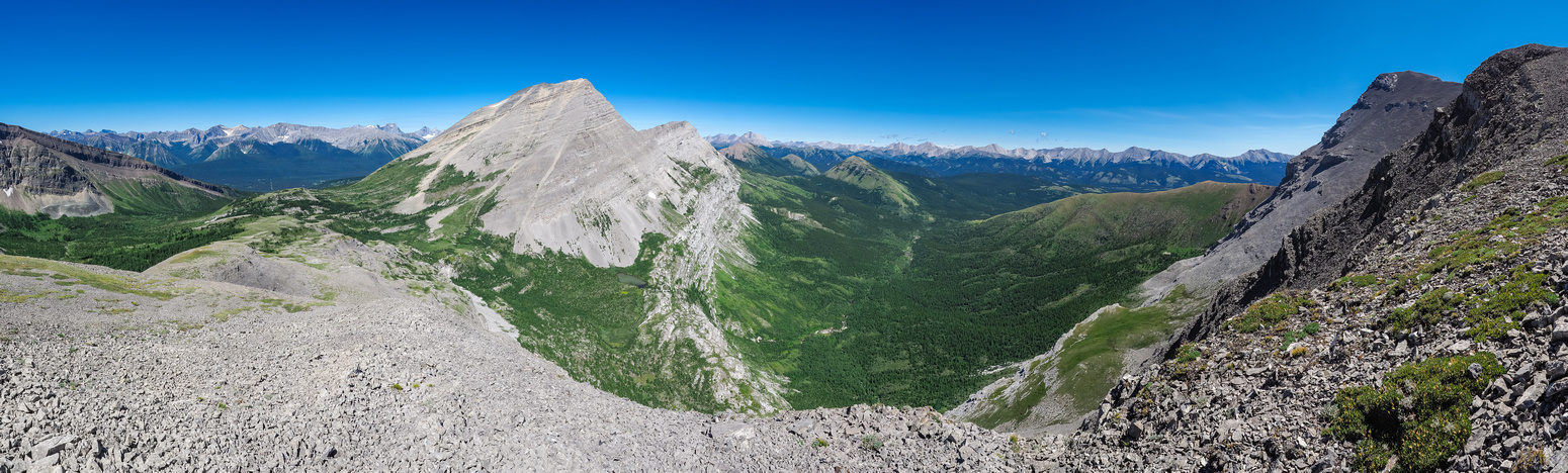 The heavenly Weary Creek Gap at left and the summit of Muir at upper right.