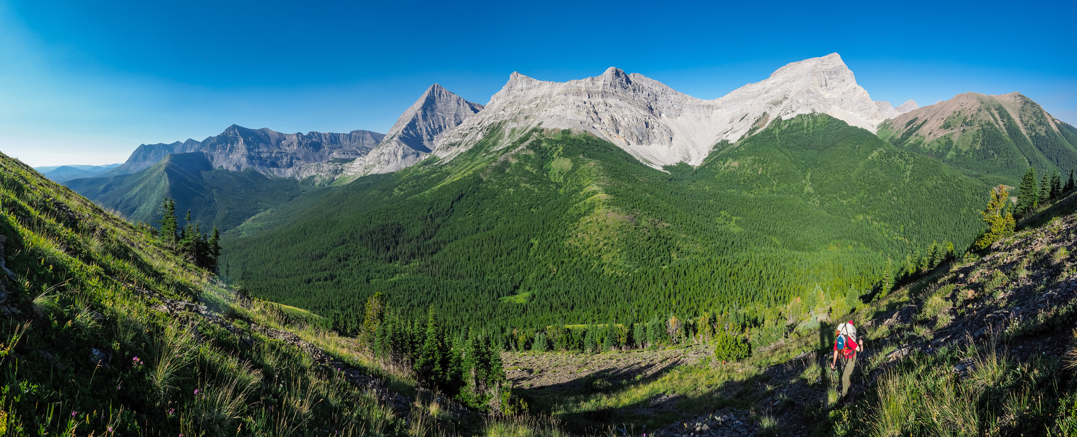 Looking back at Mount Bishop and Horned Mountain (R) with McPhail and Muir to the left as we start up the hill.