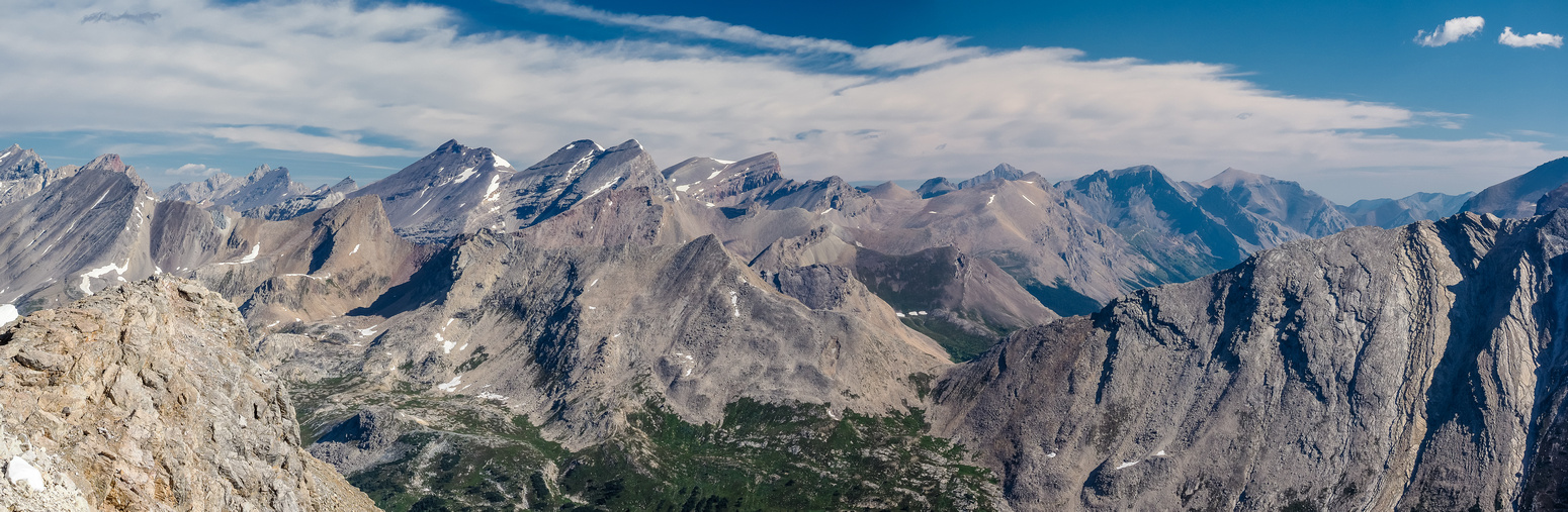 A tele-pano of the Siffleur Wilderness Area includes Devon at left, the Willingdon Group and Huestis and Malloch at right.