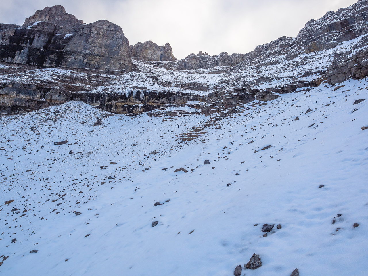 Initially I thought the lower cliffs might be problematic with the snow / ice cover, but I found an easy way through them.