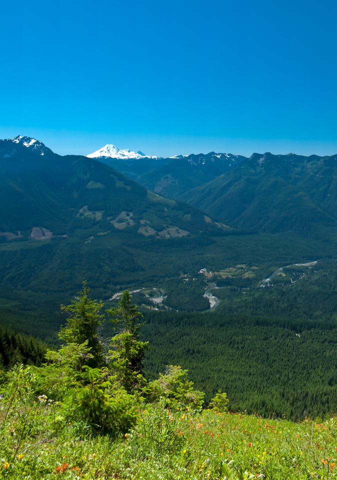 Another shot of Baker with the ridge and the Chilliwack River.