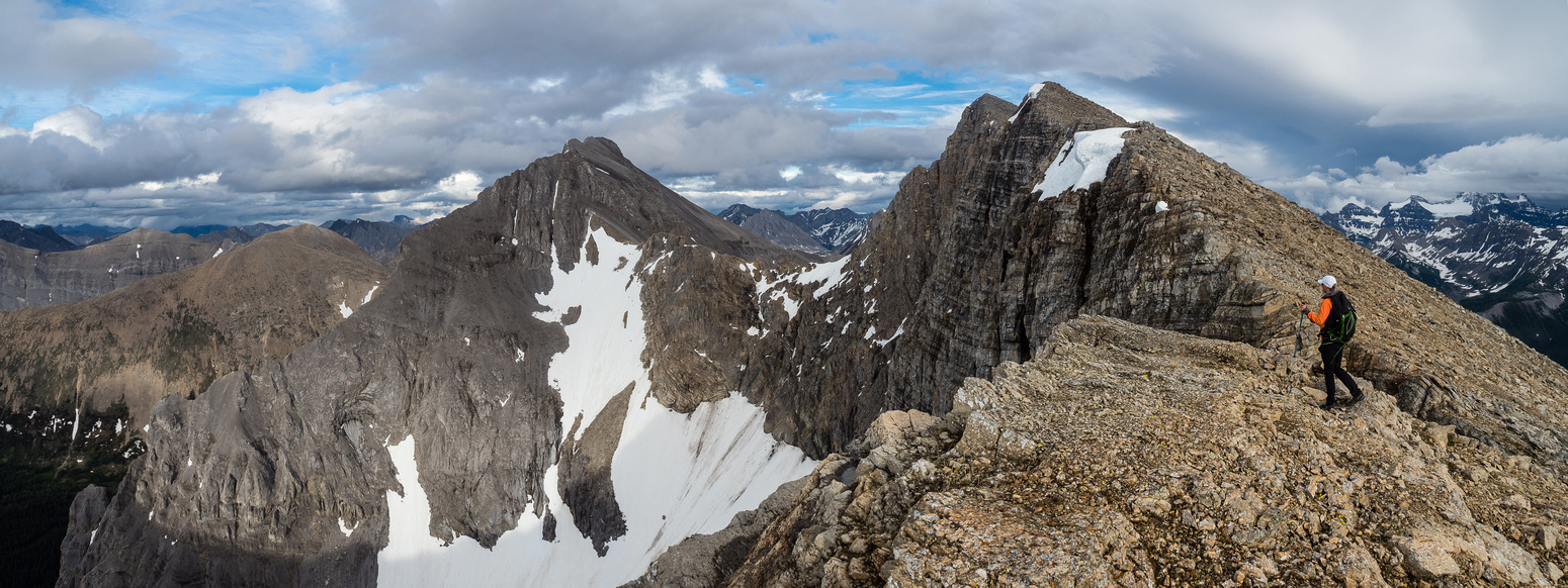 Only two more false summits... Nasswald at center here, with the summit of Golden Mountain to its right.