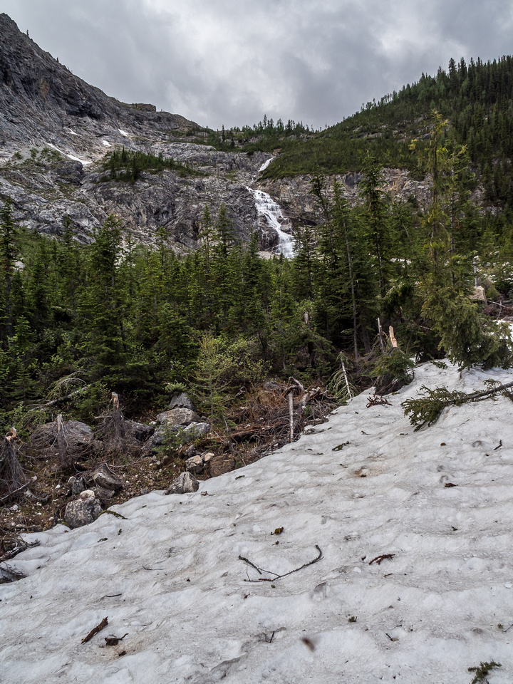 Remnant patches of avalanche snow helped on some sections.