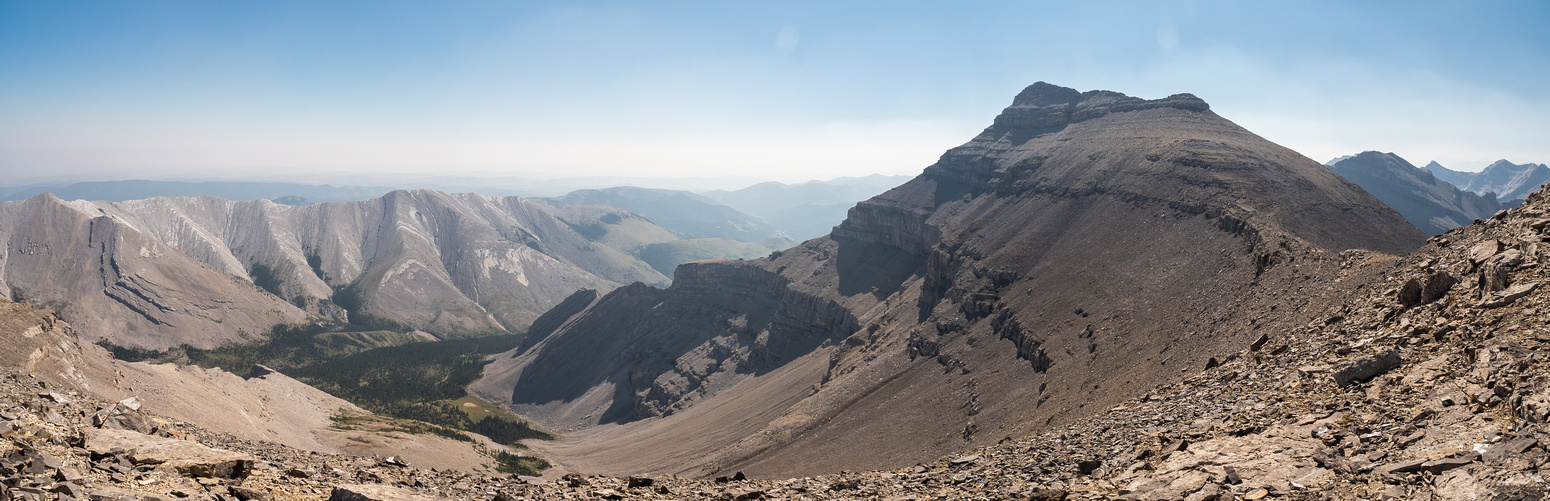 Looking back towards Pyriform Mountain with Trap Creek at left.