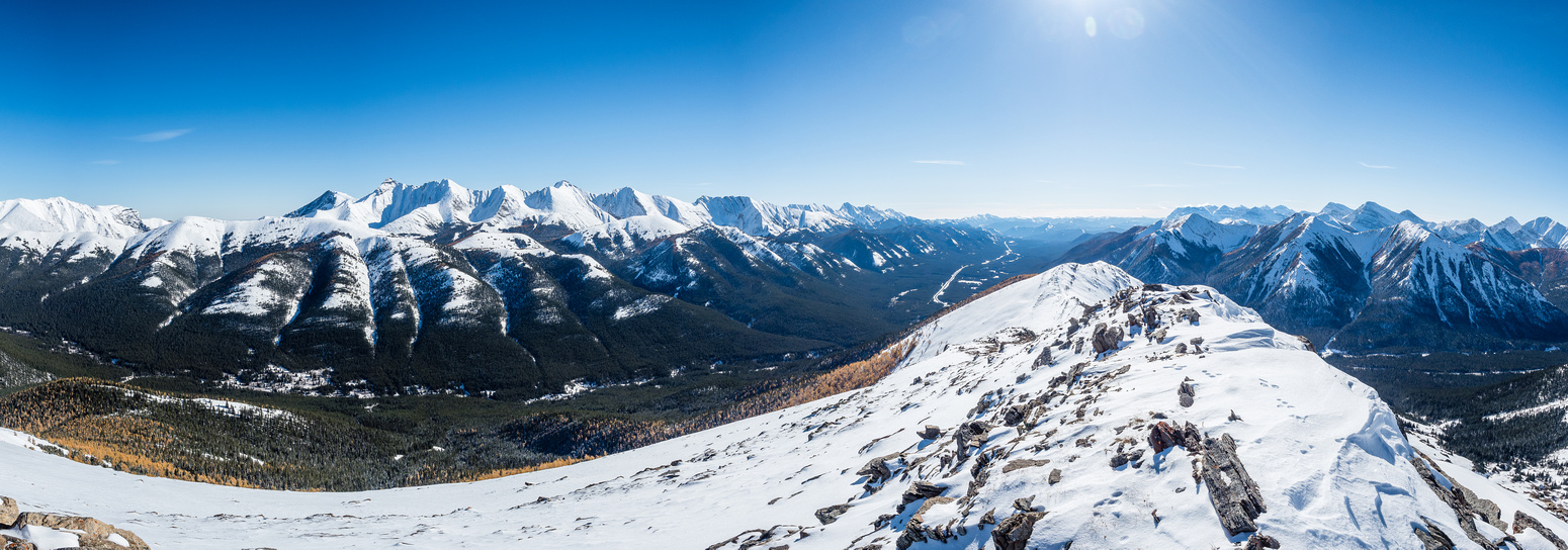 Views east (L) and south (R) off the summit include Mist Ridge (L) and Odlum Ridge (R).