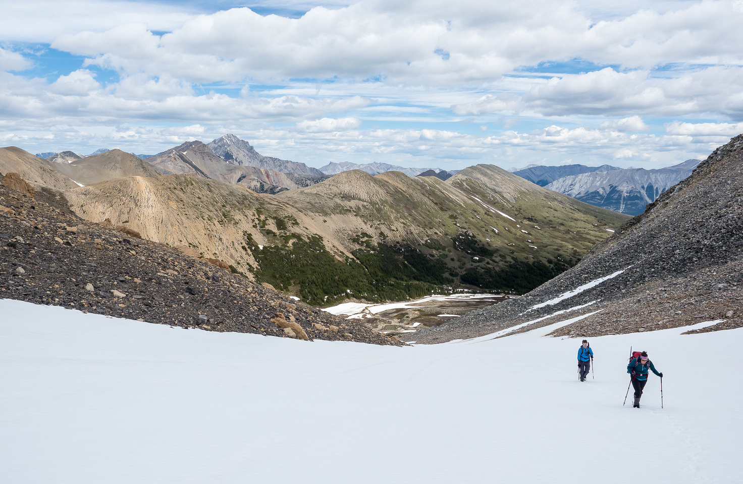 Looking back down the north bowl at Elliot in the distance and Two O'Clock Ridge directly behind.