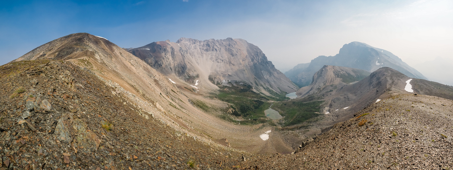 A great shot showing the entire ridge from Harvey Pass (R) to Black Brett (L-C) with Harvey Lakes in between.