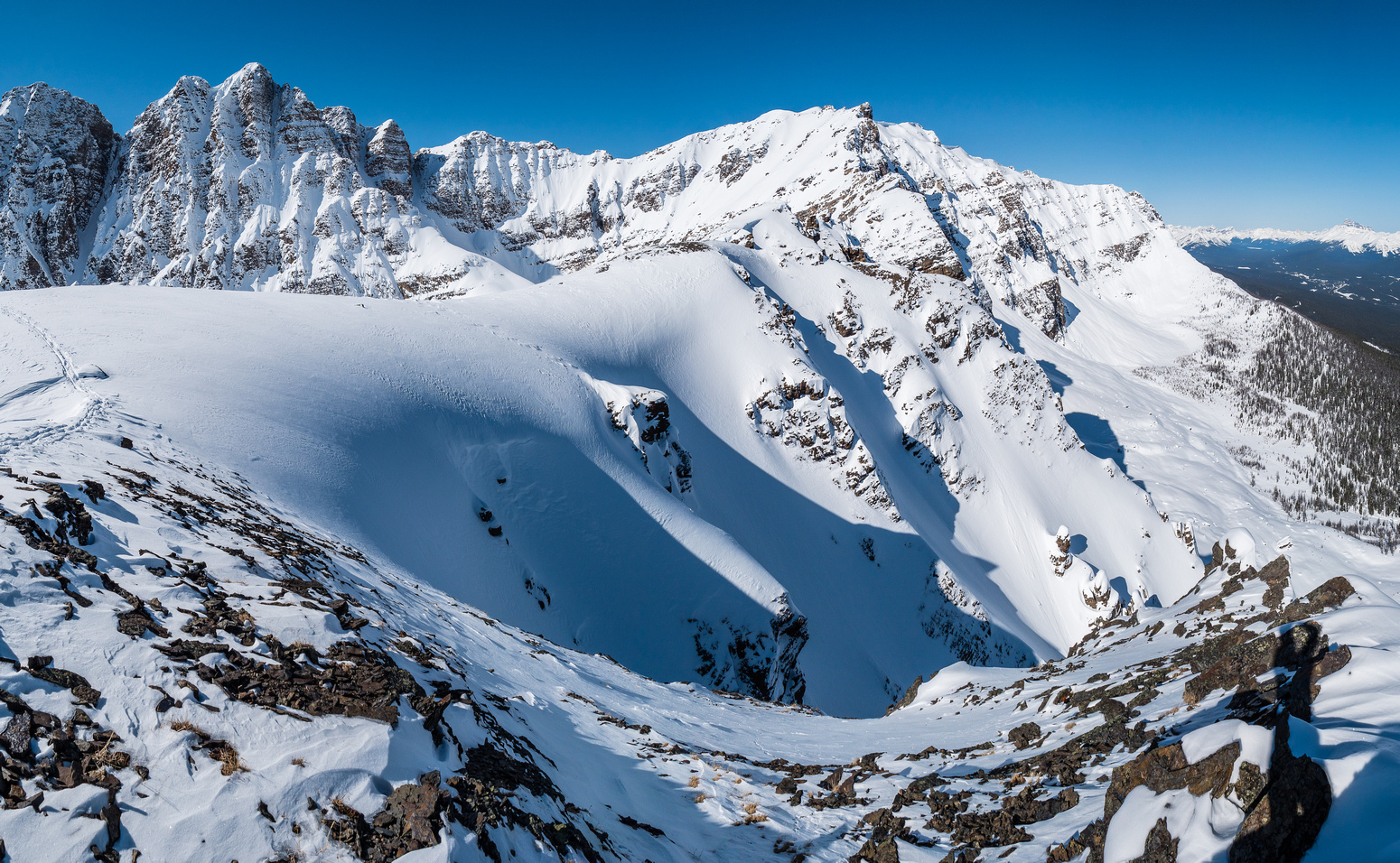 'm sure folks ski these chutes running down to the NE. Panorama Ridge is very impressive from this angle.