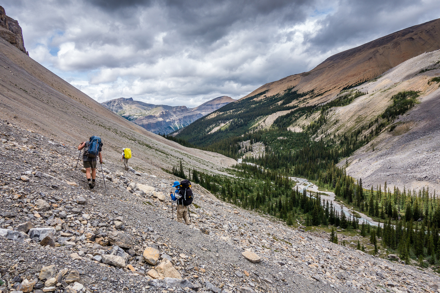 The never-ending side-hill scree slog traverse above Recondite Creek.