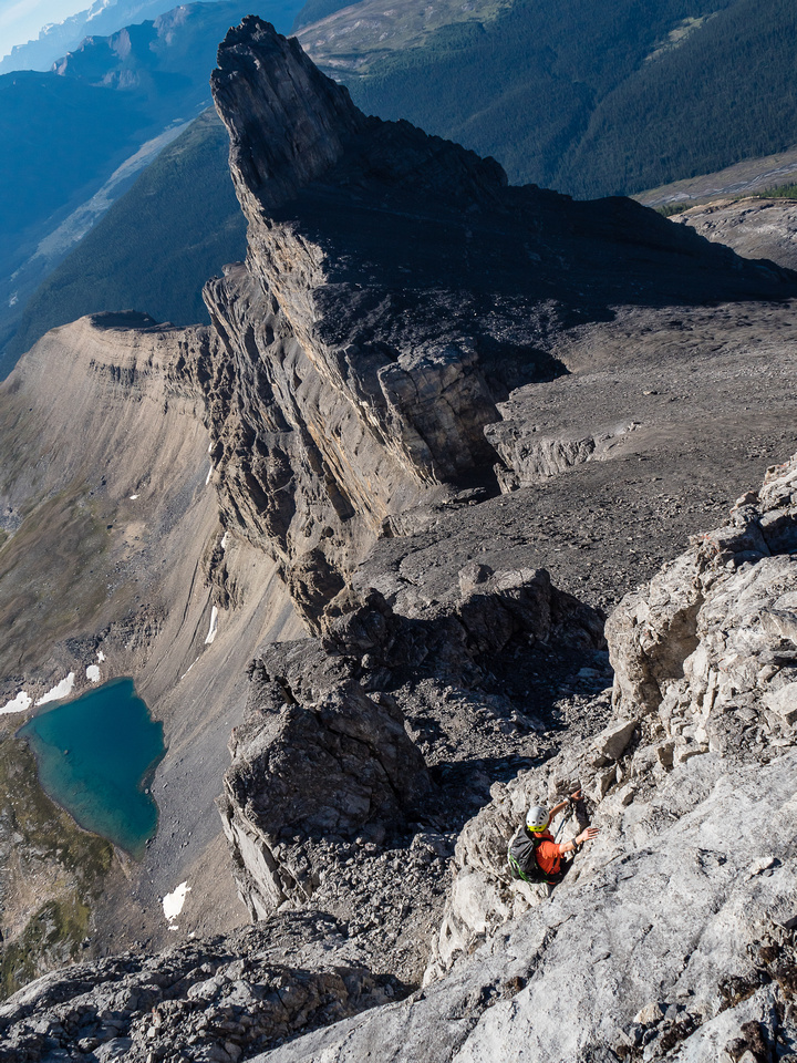 The views around the crux are awesome. Too bad it's so short and easy.