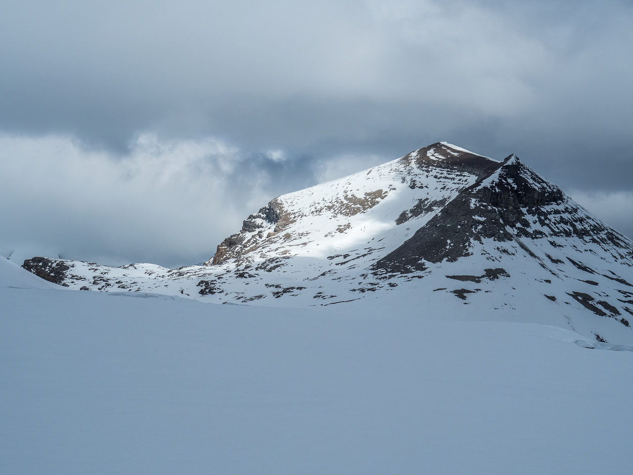 From here it looks like the direct route up the south ridge is the way to go. Once we got closer we changed our minds.