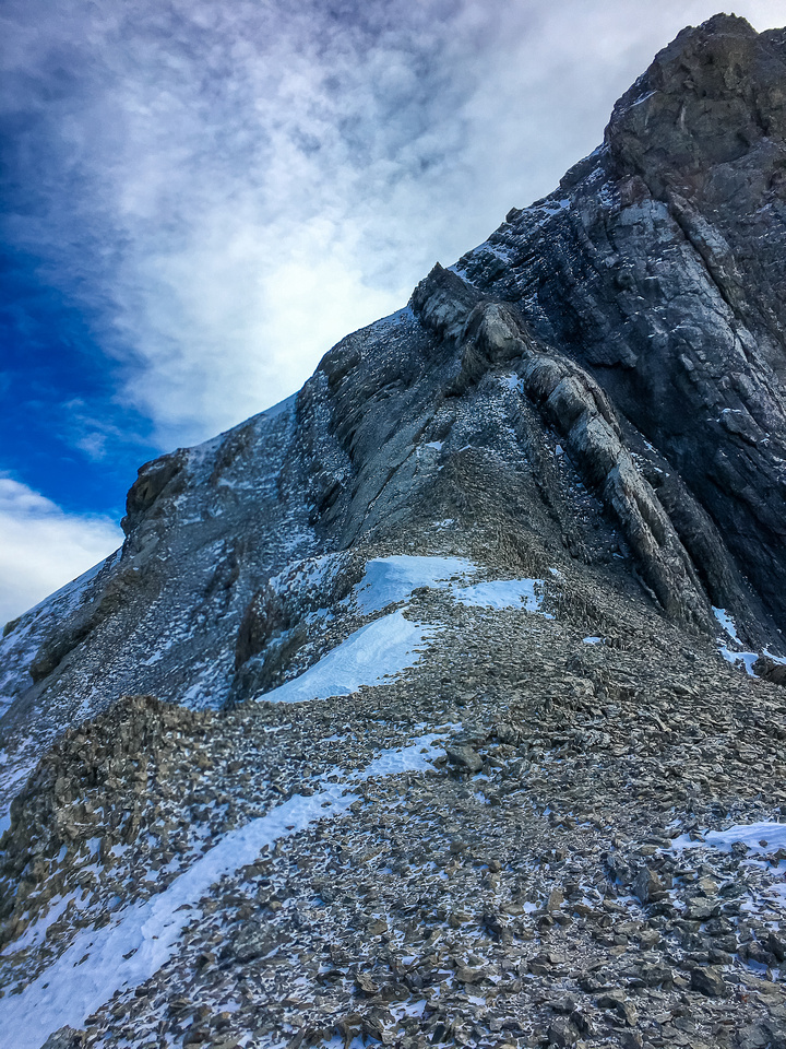 One more shot of the crux terrain (L) and the summit block (R) from the top of the NW ridge.