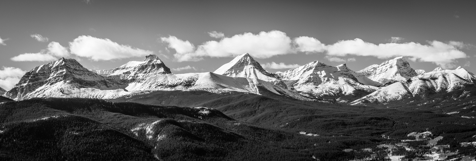 One more pano of the divide peaks to the north west from Strachan to Bishop (R).
