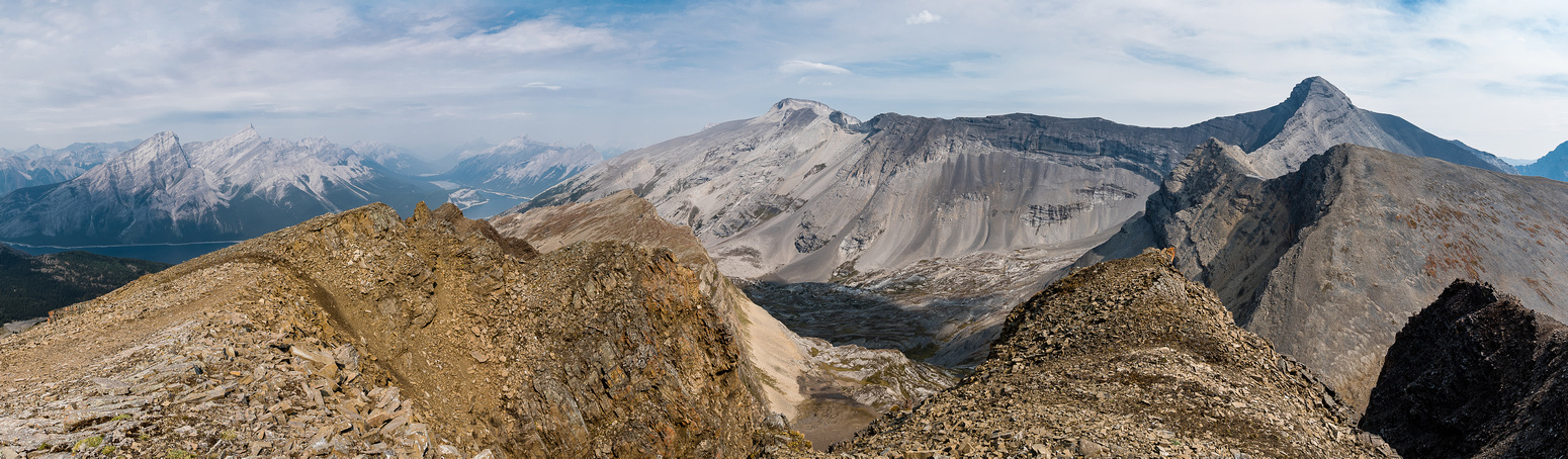 A wider pano looking over Red Ridge with Sparrowhawk and Bogart on the right and Buller on the left.