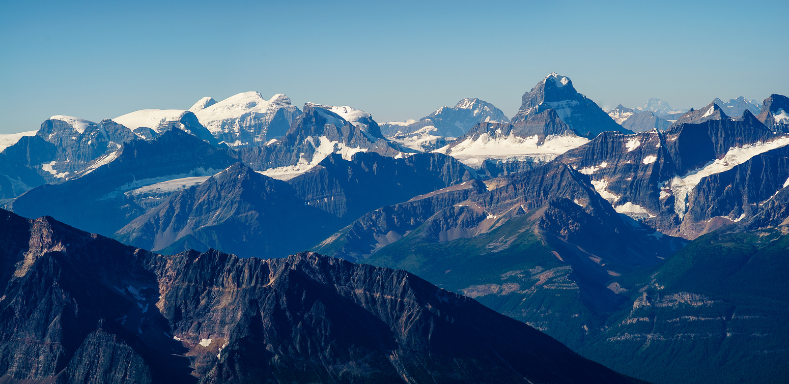 A tele of South, North and Twins Tower, Diadem and of course, the north face of Mount Alberta on the right.