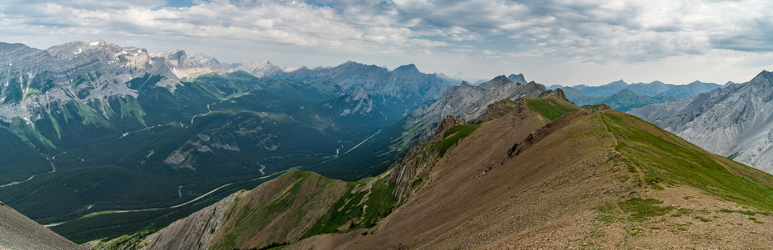 I love this ridge view from descent - heaven for mountain sheep!