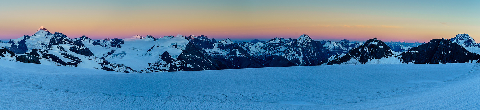 A sublime sunset just before we have to regain height to the Lyell Hut.