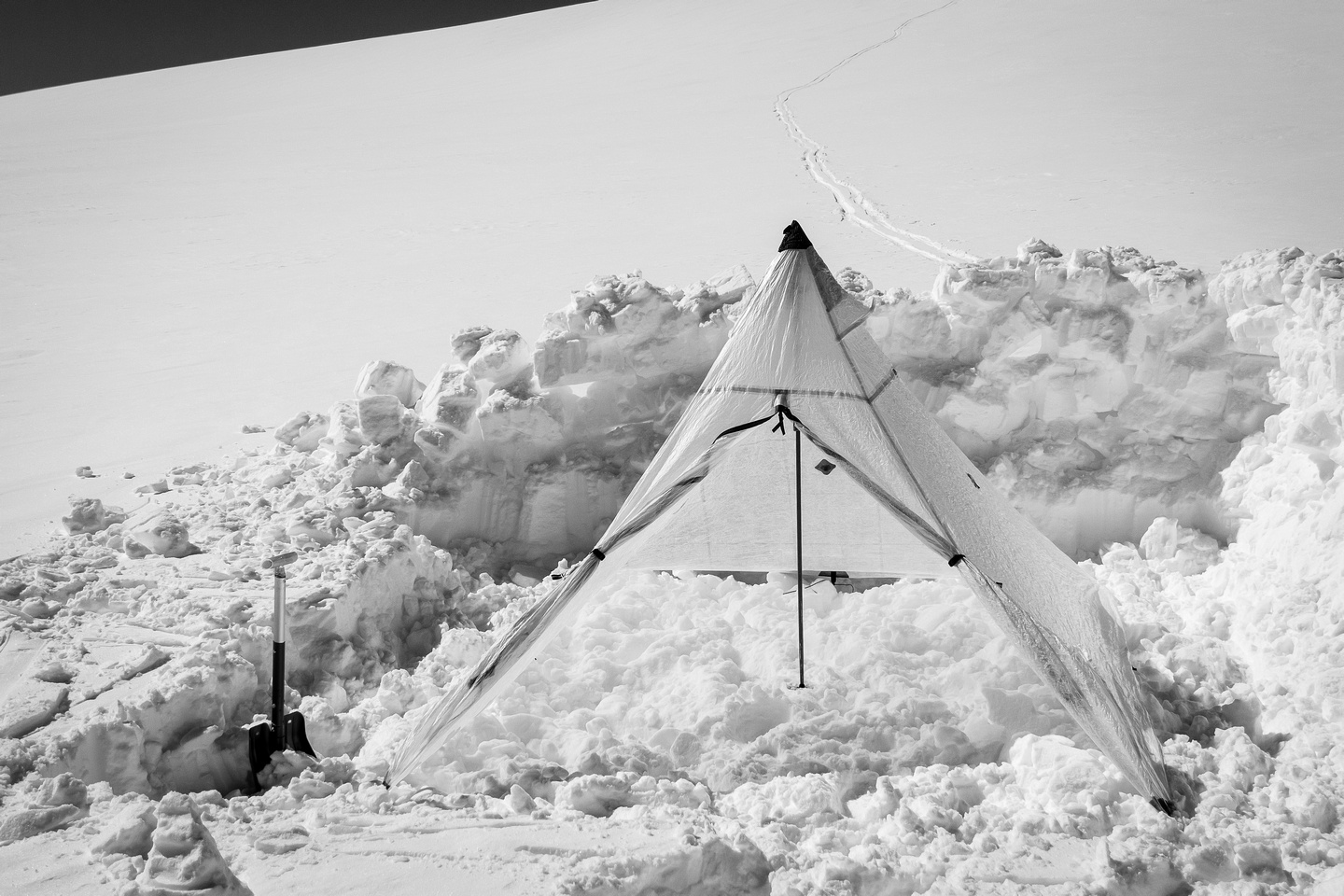 The HMG Ultra Mid II is only 499 grams but is the perfect icefields shelter even in strong winds.