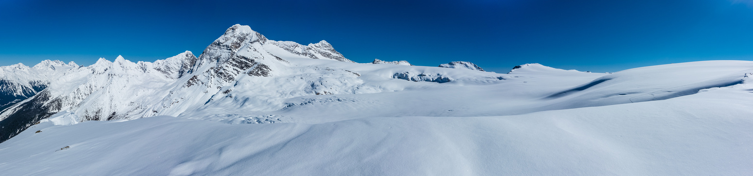 Neve Station, Illecillewaet Crag, Terminal Peak, Mount Sir Donald, Uto, Eagle Peak, Avalanche Mountain and Mount Rogers.