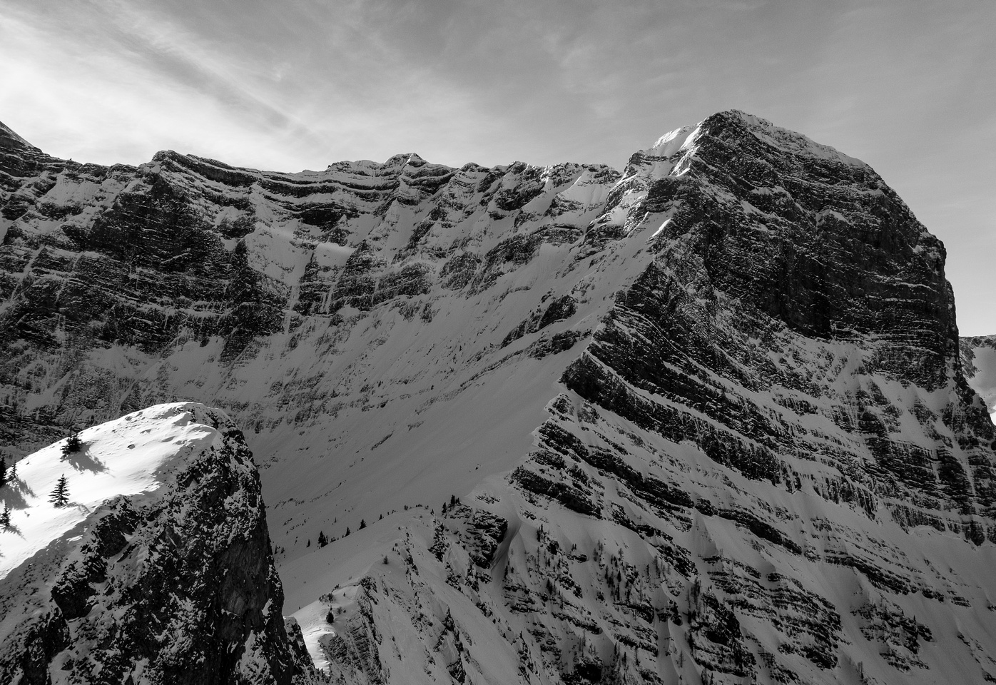 The summer route comes up from the lower left, Sarrail's east and northeast faces rise steeply above.