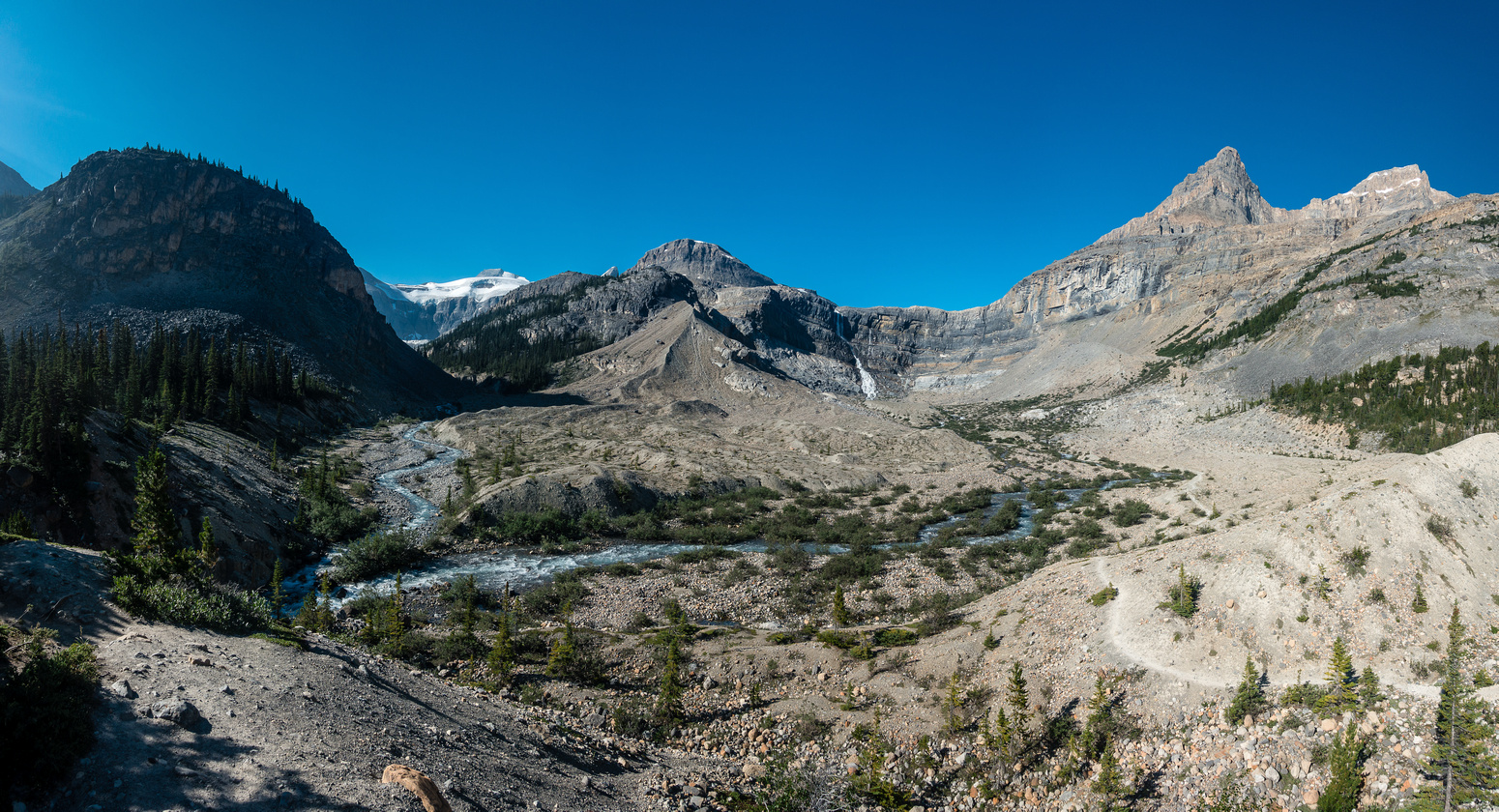 Portal on the top right, the moraine access route in the center and the Bow Hut approach on the left.