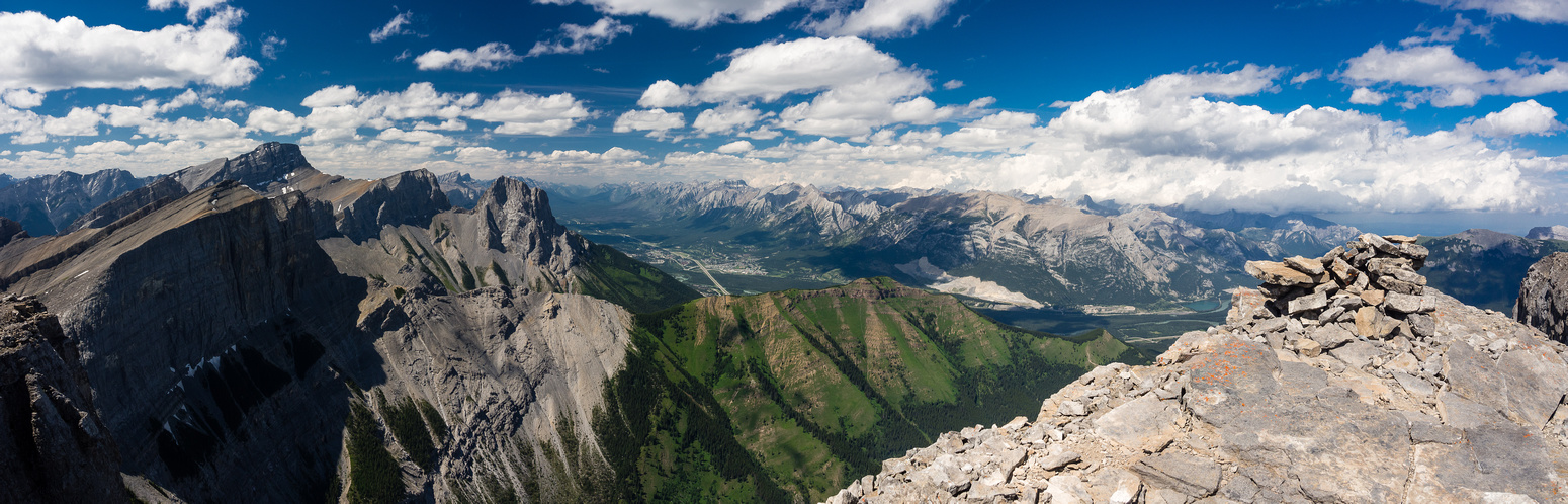One more pano of the gorgeous Bow Valley Wildlands.