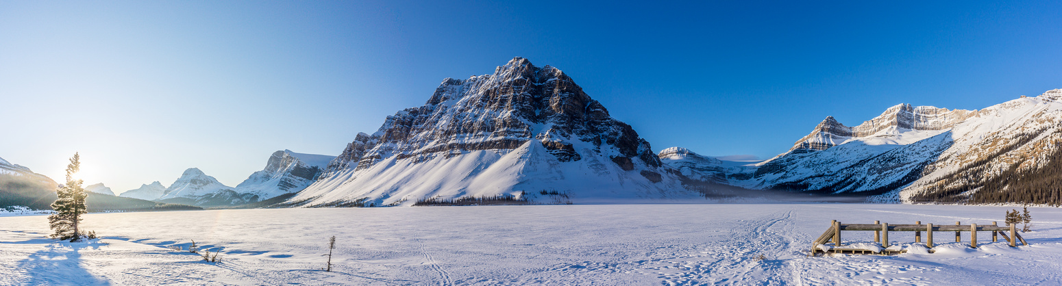 A very clear, but also very chilly, morning at Bow Lake.