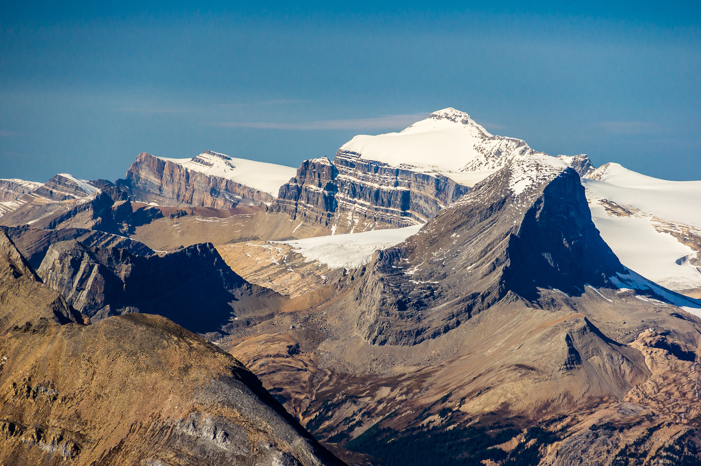 Mount Niles in the foreground with the mighty Mount Balfour directly behind and Gordon to the left.