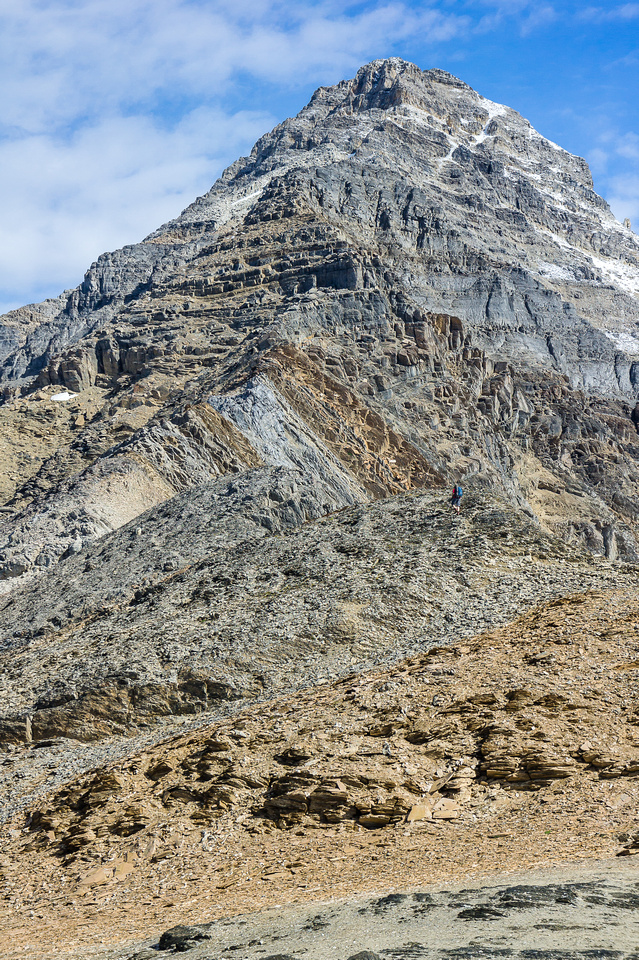 This is a heckuva big mountain! This is gazing up the south ridge - the summit not in view yet.