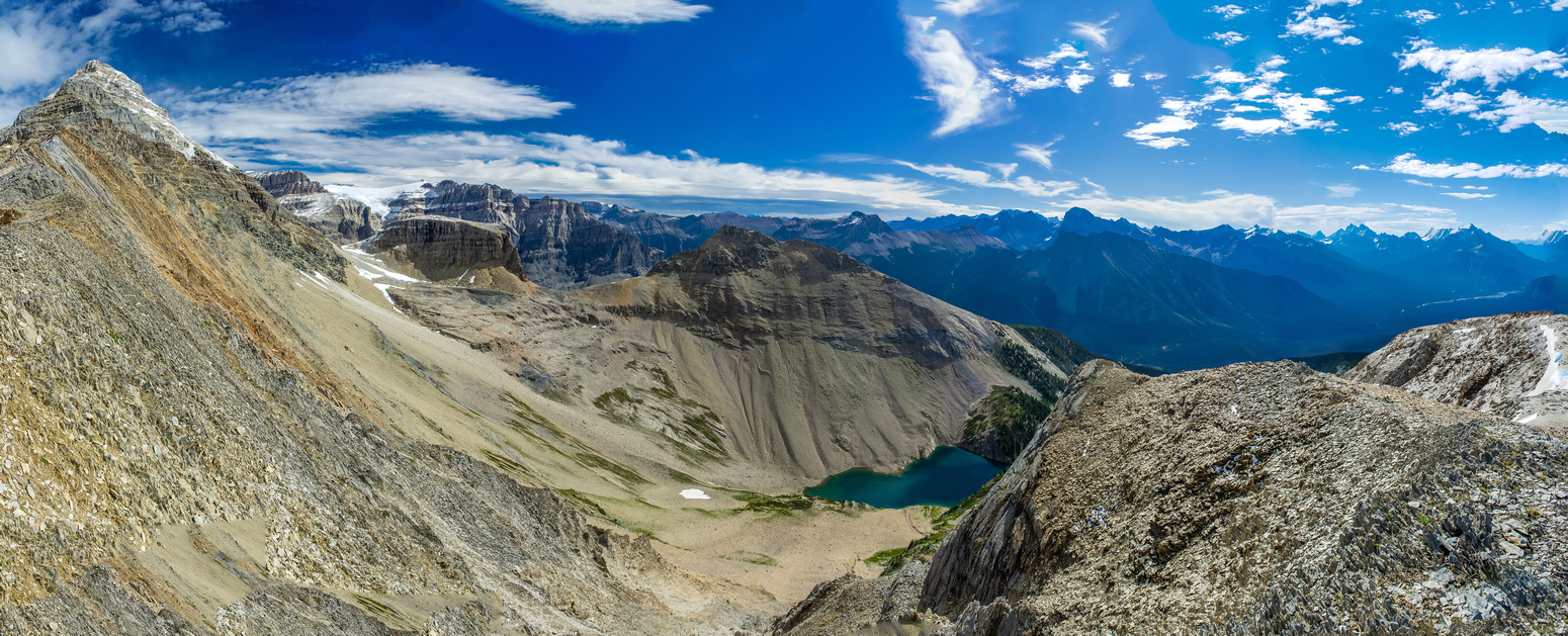 More views off the south ridge across to Emerald Peak and down to Hamilton Lake. My final Kane scramble did NOT disappoint with views.