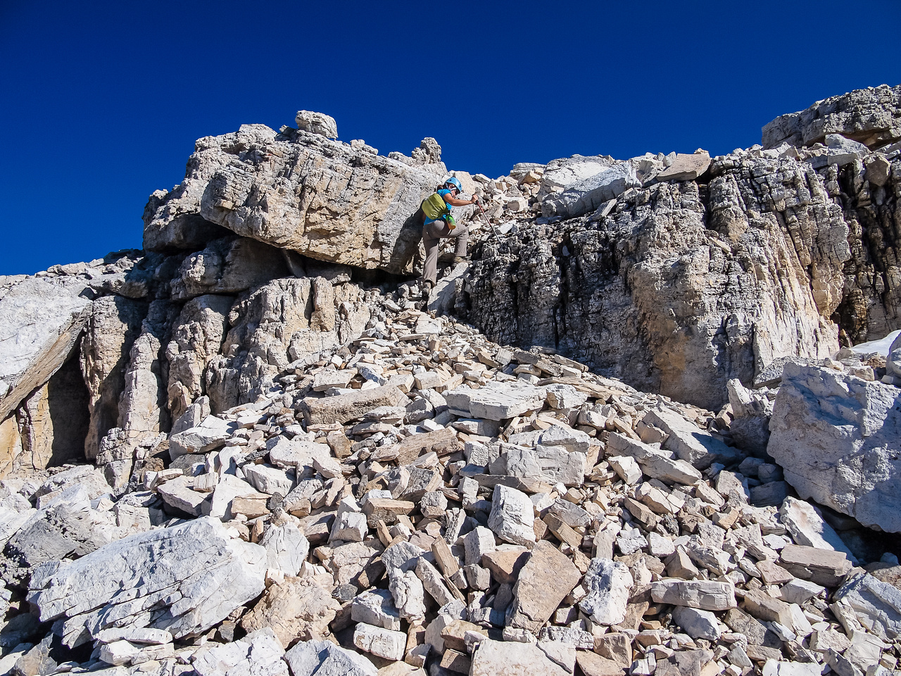 A few more small cliff bands before the large summit plateau.