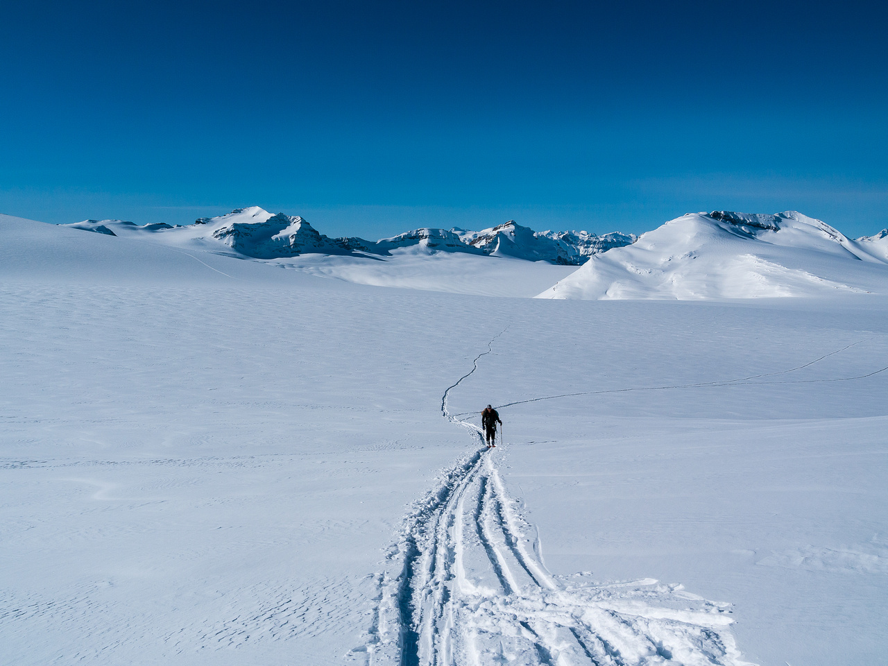 Ascending to the col.