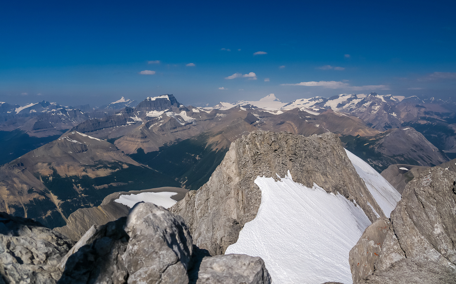 From R to L, Bryce, Saskatchewan, Columbia and other Columbia Icefields peaks at right.