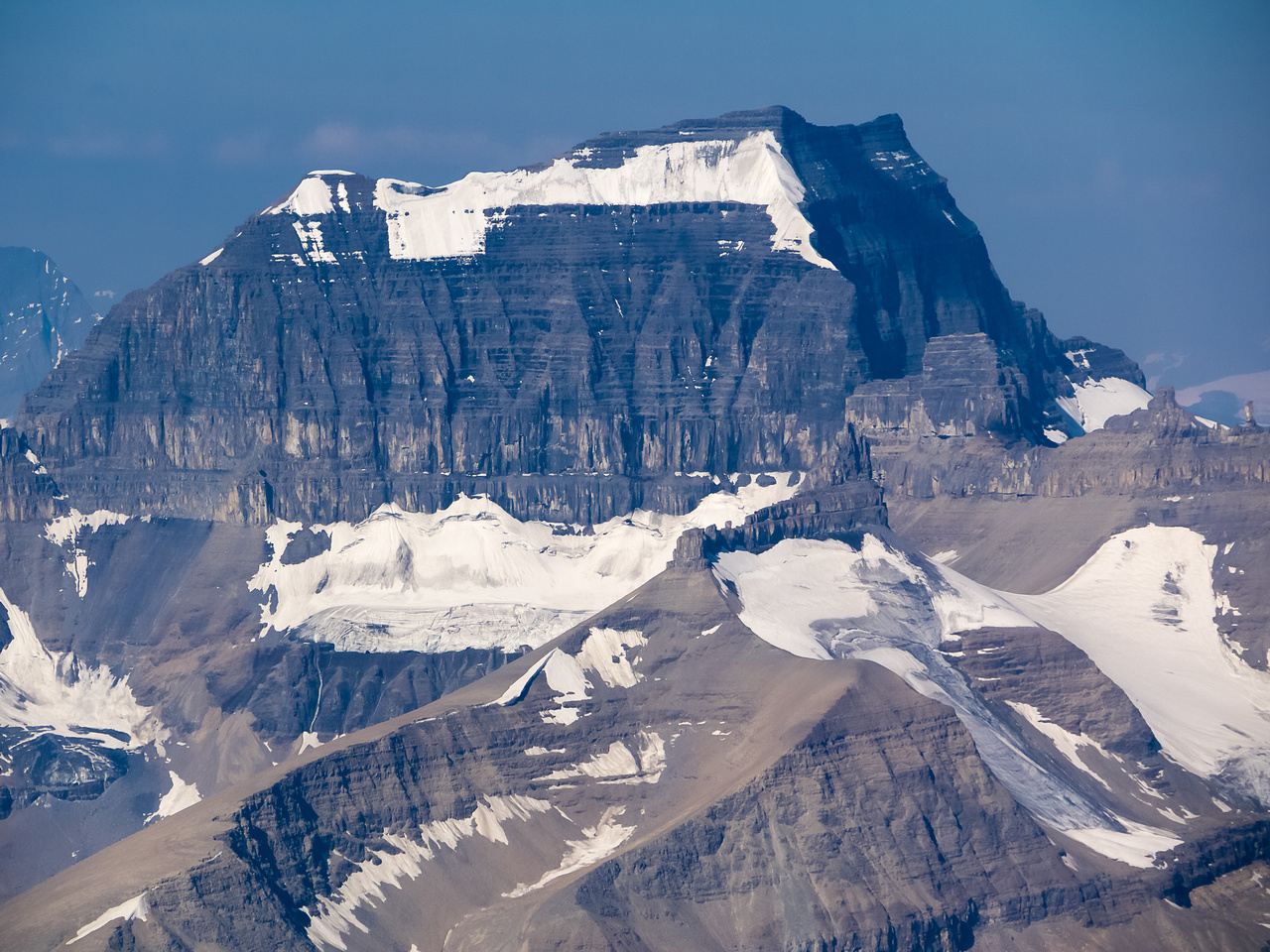 Mount Saskatchewan is a near 11,000er.
