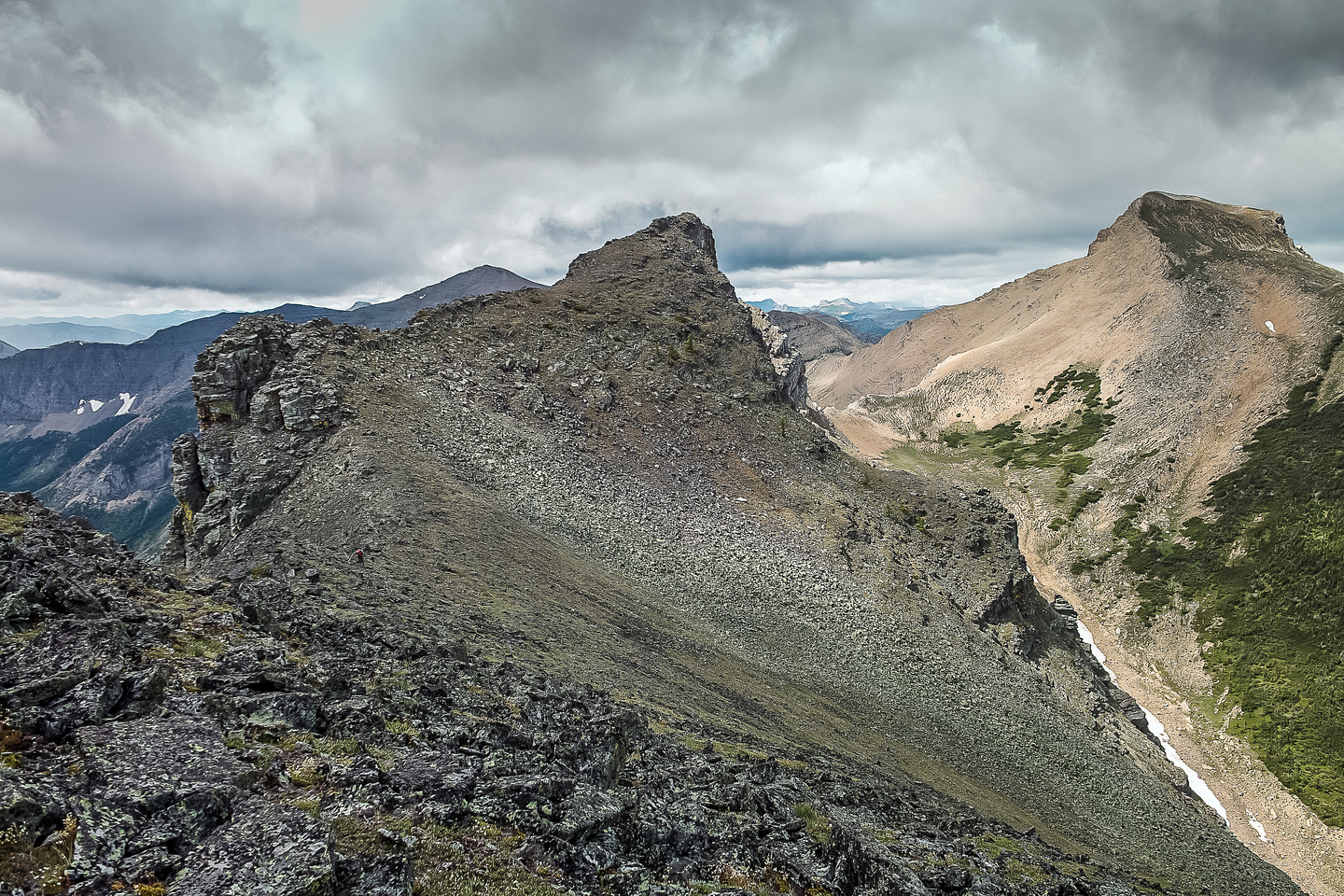 Starting our traverse to St. Eloi - the first obstacle is a pinnacle on the ridge between the east and south summit.