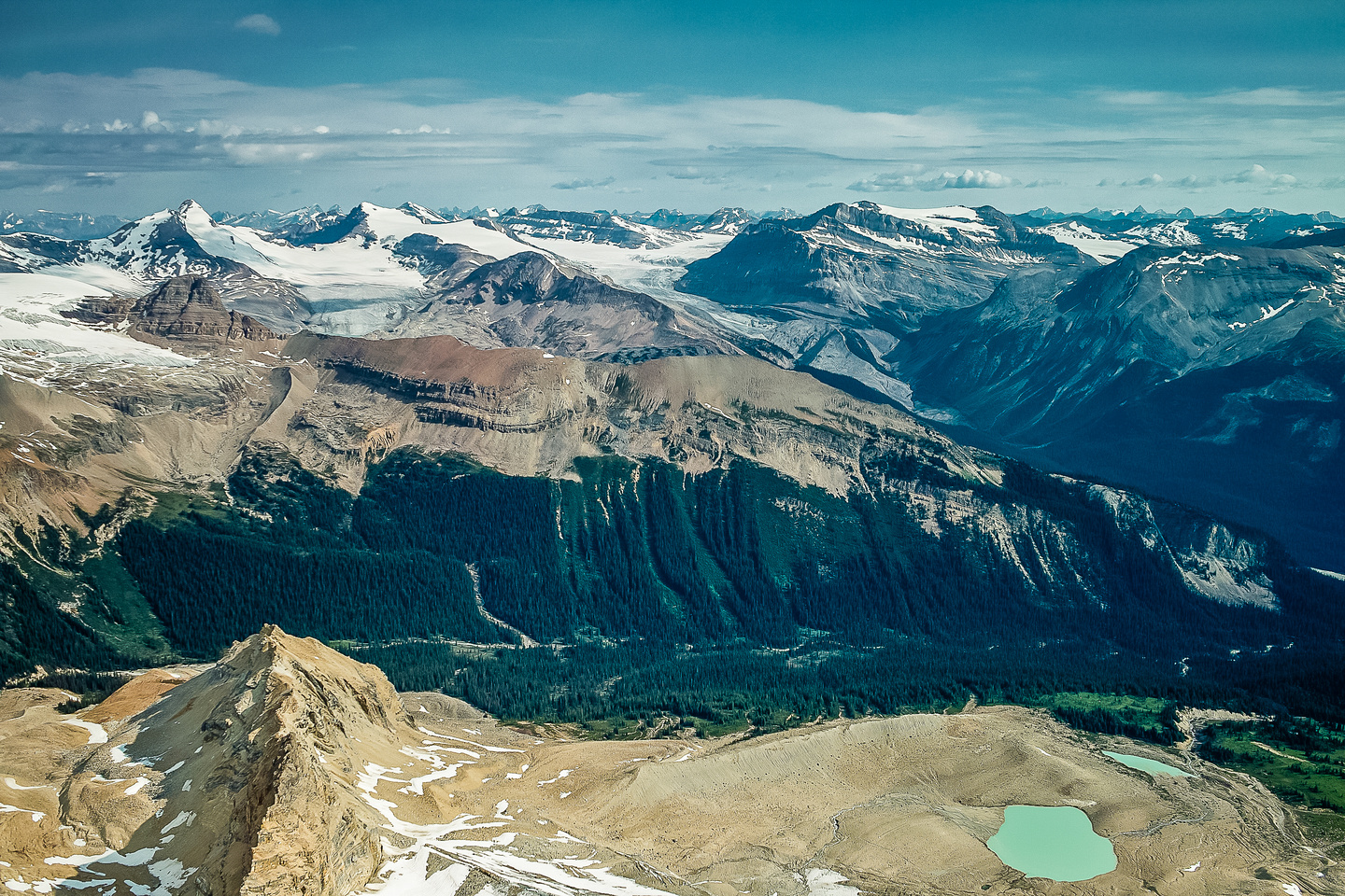 More stunning views over the Little Yoho Valley.