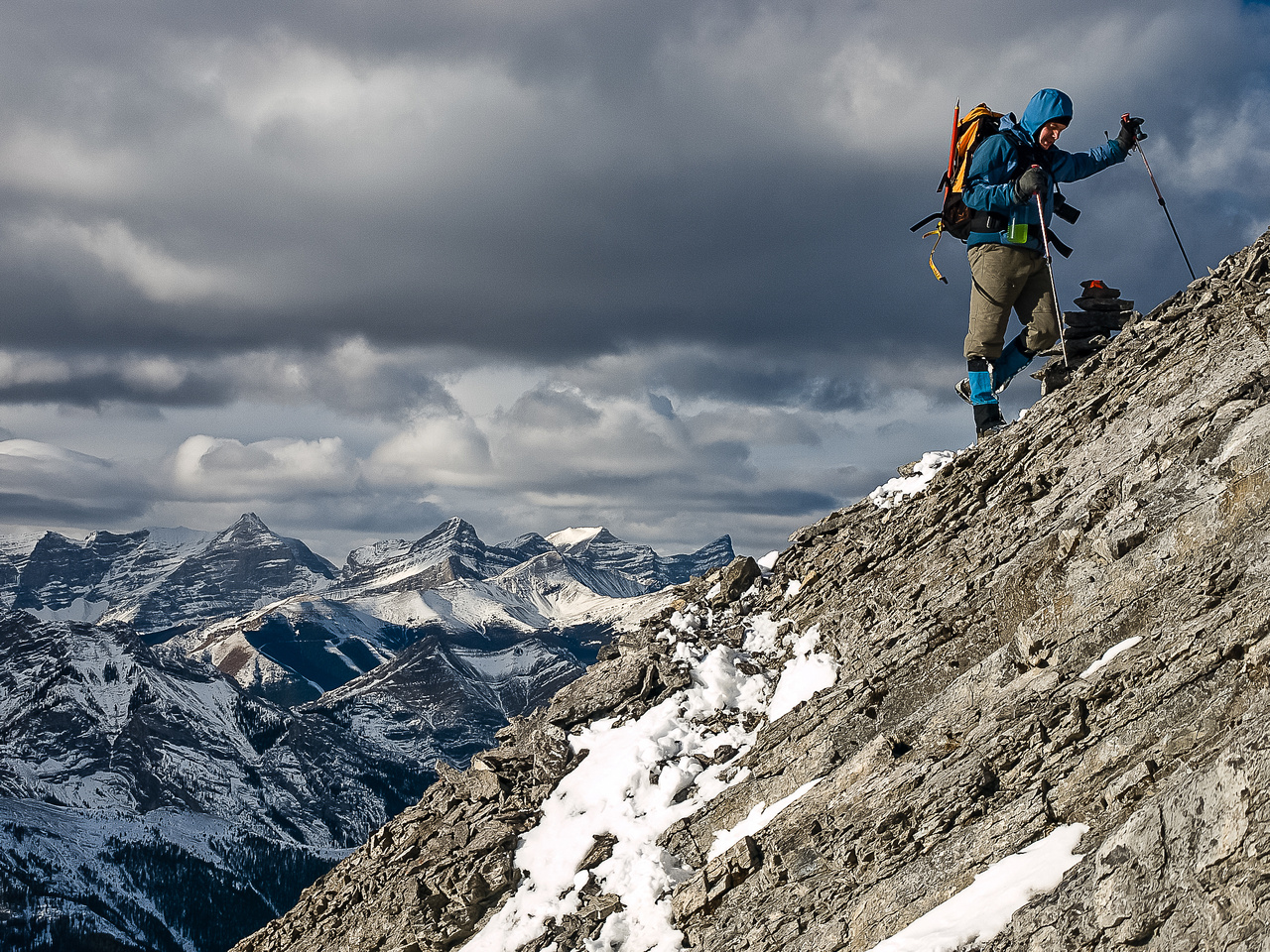 Wietse ascends to the summit.