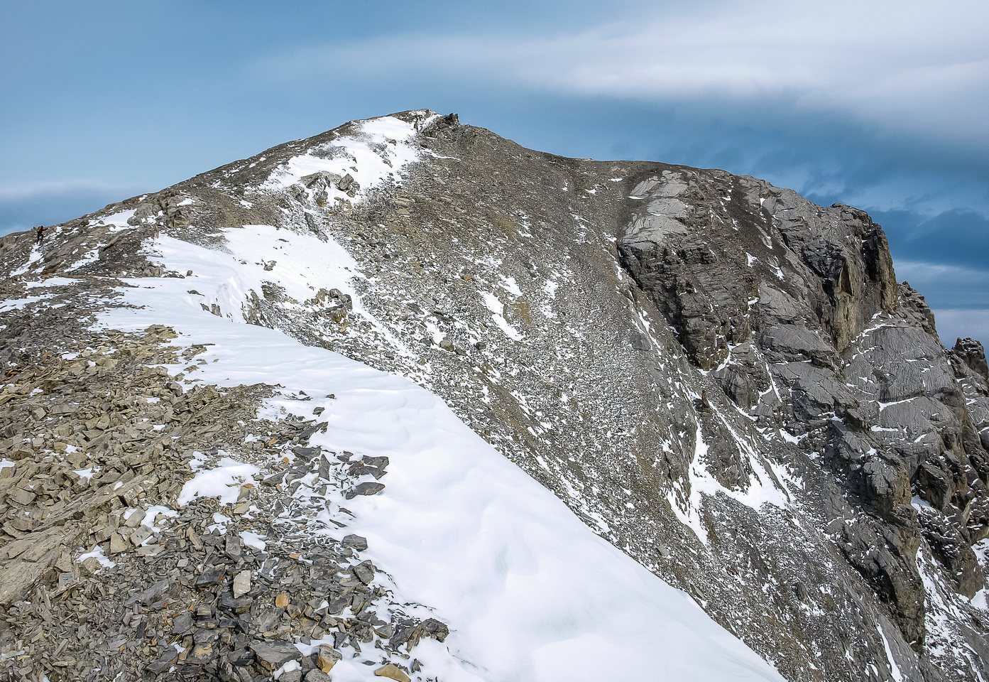 Ascending SW slopes to the summit.