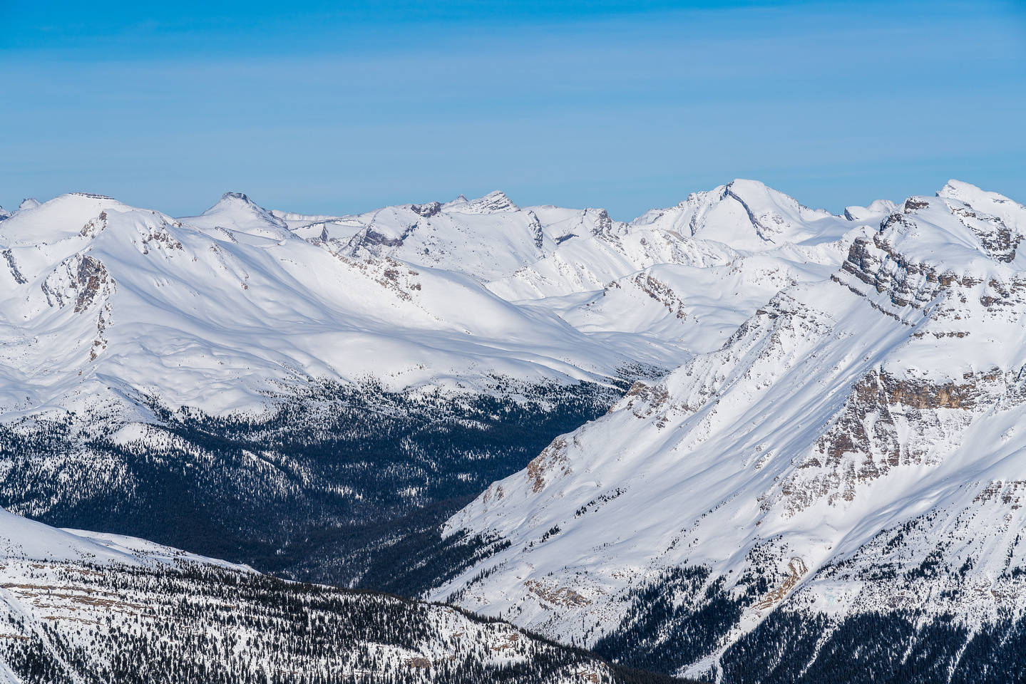 Deluc Peak (Three Brothers) at right of center.