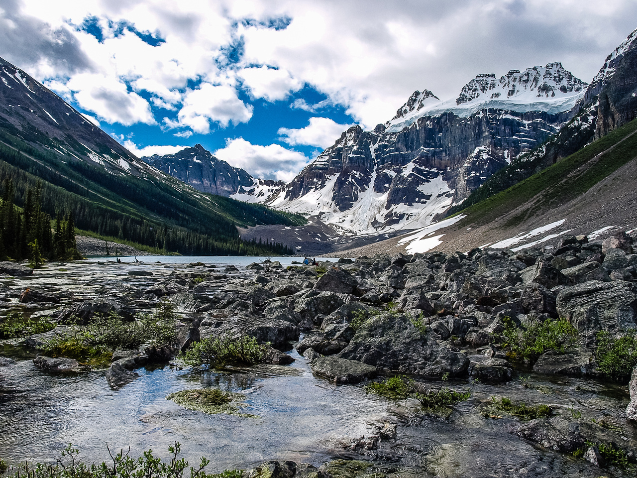 The Consolation Lakes are spectacular. Bell, Bident and Quadra rise above from L to R.