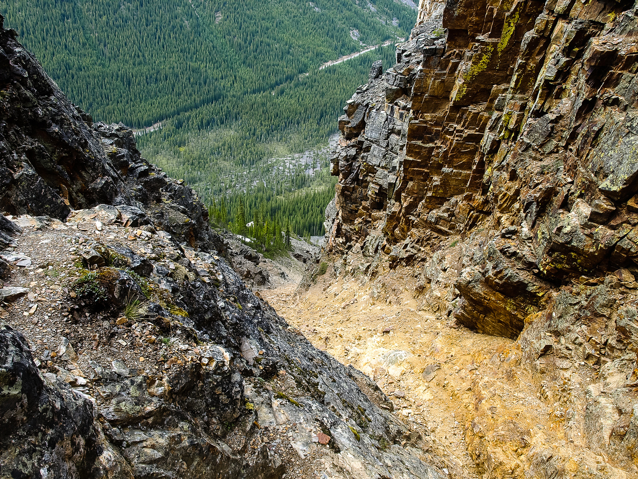 You want to move quickly up this gully! Lots of rock fall potential. Personally I feel this is 'moderate' terrain, not 'easy'.