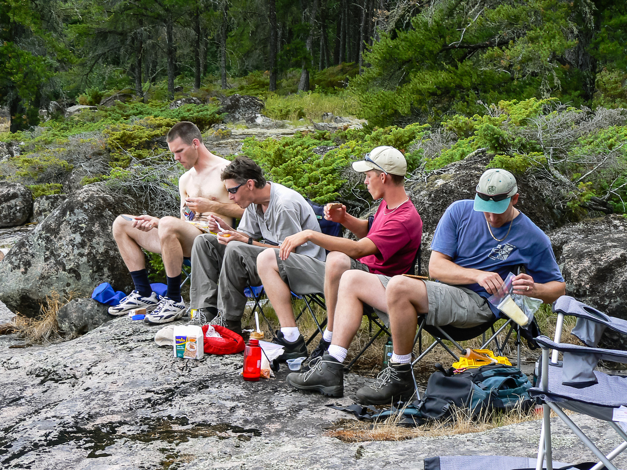 Having lunch (at 14:00) on Monday somewhere on Bain Lake.